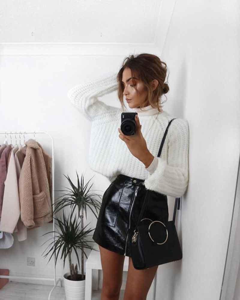 trico-branco-e-saia-preta-de-couro