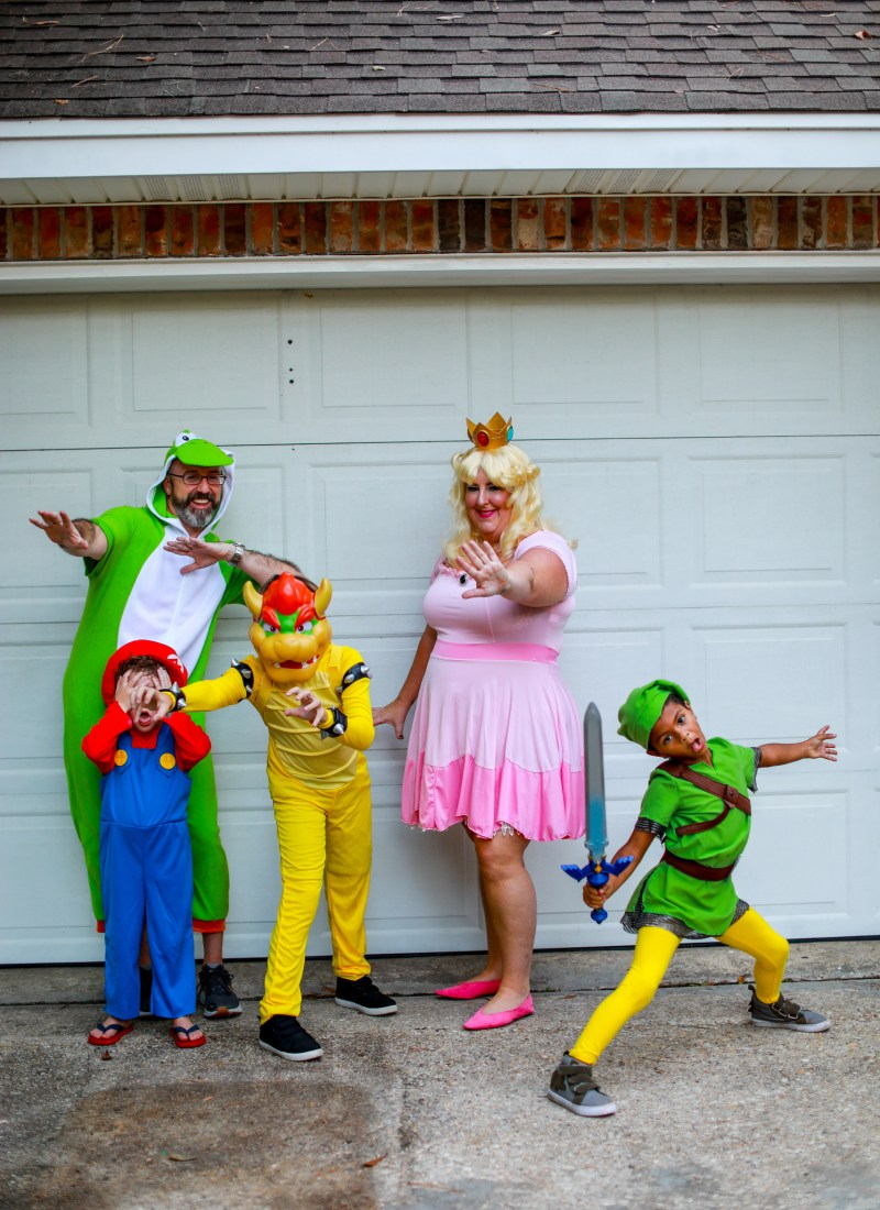 13 Family Halloween Costume Ideas: For Big-ish Families