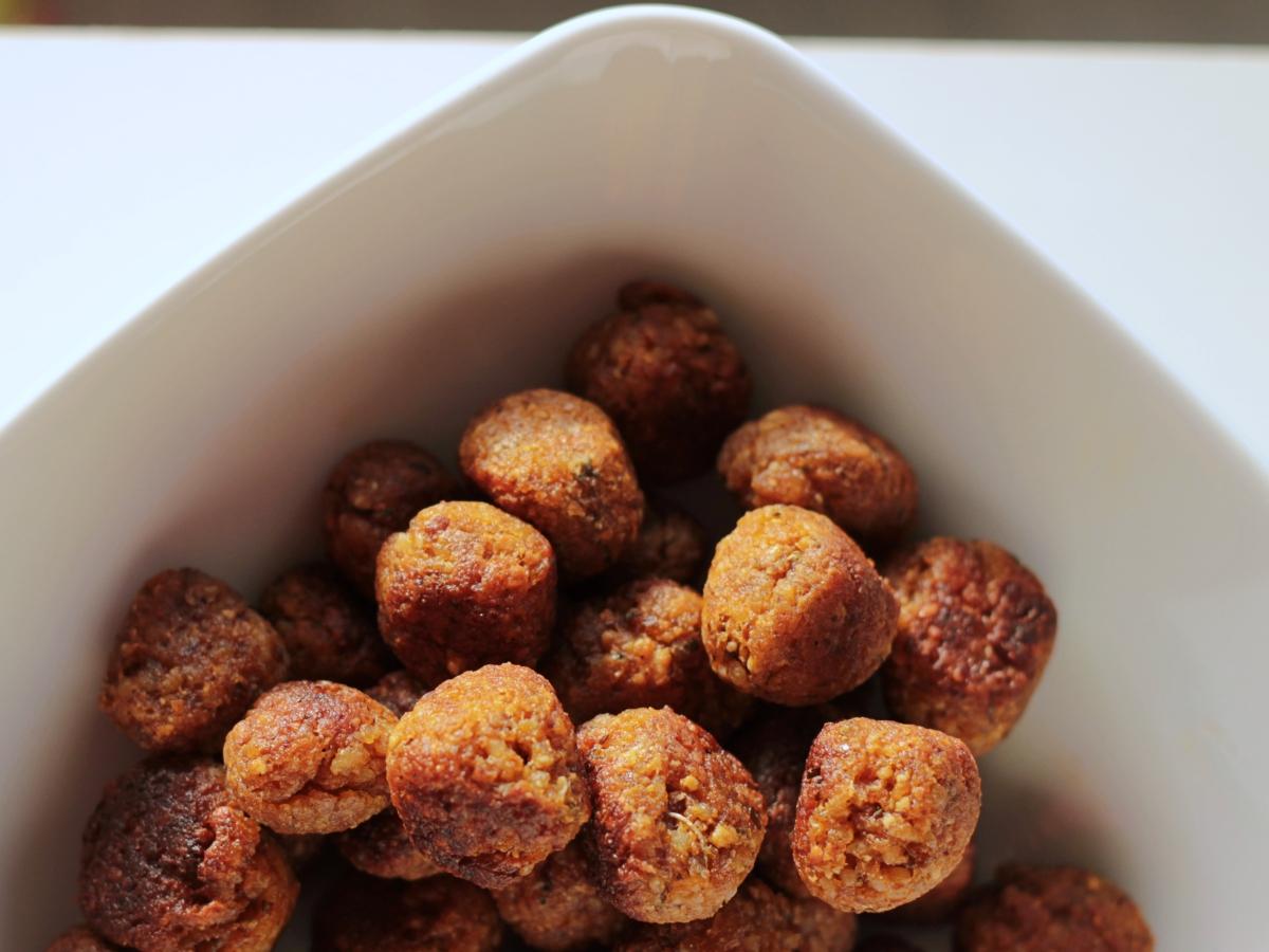 Pulpety z kaszy jaglanej - jak mięsne, a jednak wegańskie!