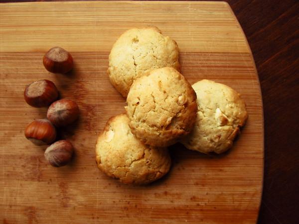 Ciastka orzechowo-czekoladowe