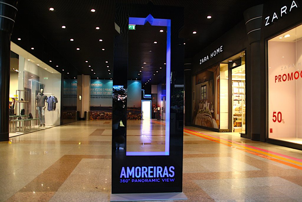 centro comercial amoreiras futuristic