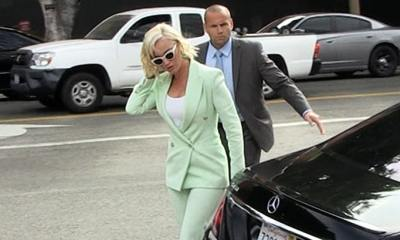 Katy Perry Arrives in Court for 'Dark Horse' Copyright Lawsuit