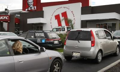 KFC Gets Cops Called On It Over Wrong Sandwich Order, Bad Attitude