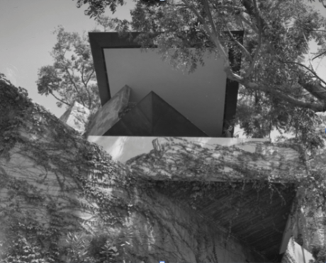 Marco Wolff House, 8530 Hedges Place above Sunset Blvd., designed by John Lautner and photographed by Julius Shulman in 1970. (© J. Paul Getty Trust. Getty Research Institute, Los Angeles 2004.R.10)