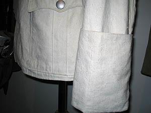 Bocamanga francesa tipica de uniformes de oficial