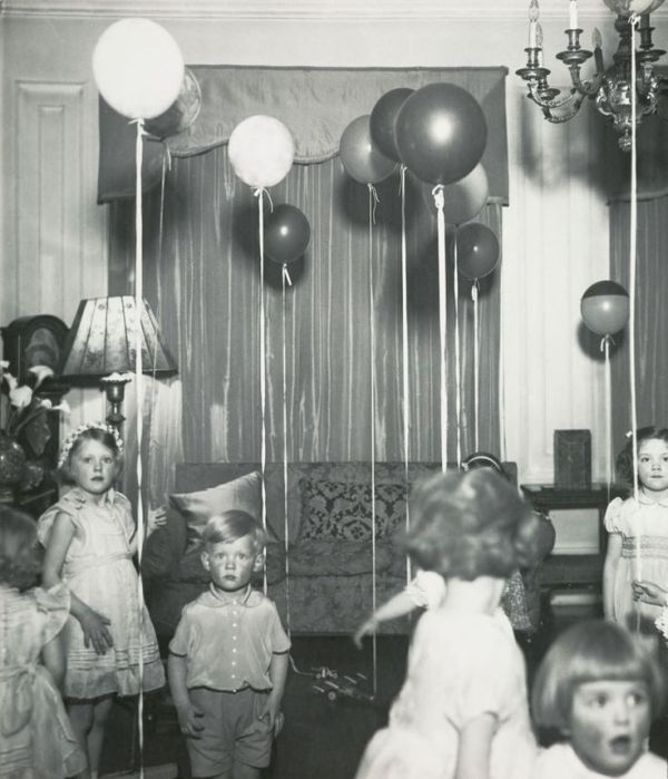 The balloons aren't helping.