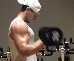 troy adashun bicep blast workout