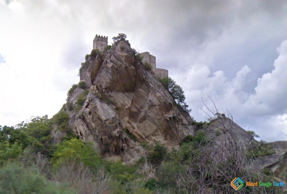 Castle Roccascalegna, Roccascalenga, Italy