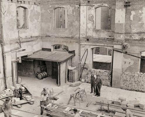 Das von Bomben zerstörte Fabrikgebäude