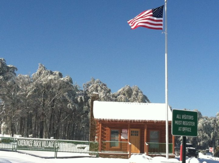 cherokee rock snow