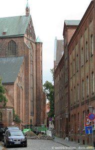 Stralsund_Altstadt_Marienkirche_Backstein