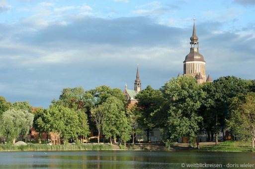 Stralsund_Marienkirche_Wasser_