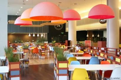 Breslau_KaufhausRenoma_Restaurant_Bunt