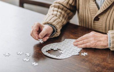 pedagoga-alerta-sobre-a-prevencao-e-tratamento-do-alzheimer-doenca-deve-quadruplicar-os-casos-ate-2050