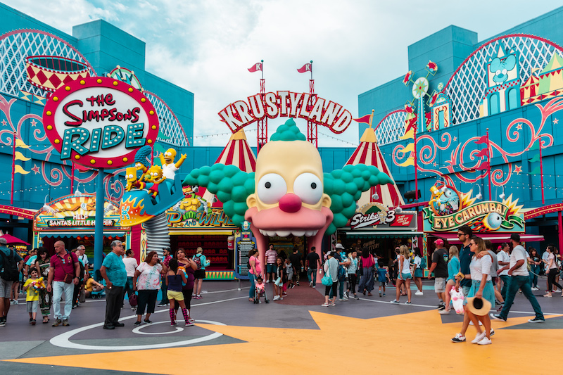 When Does Universal Studios Decorate For Christmas 2019