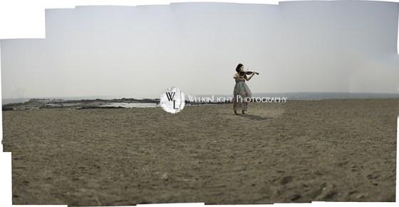 Violin on the Beach - Seoul Photographer