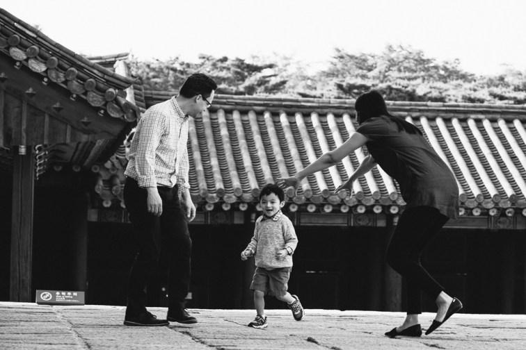 Strydom Family Portraits - Seoul