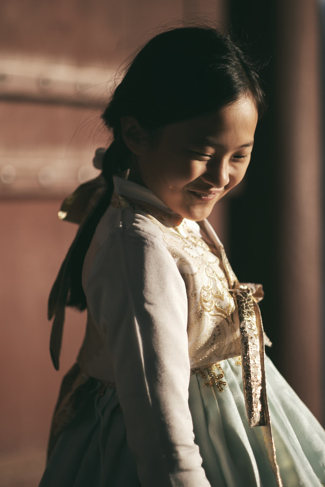 Girl in Hanbok - Family Photographer in Korea