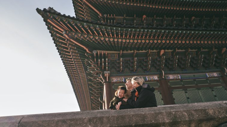 Gyeongbokgung in Winter with the Feruglio Family