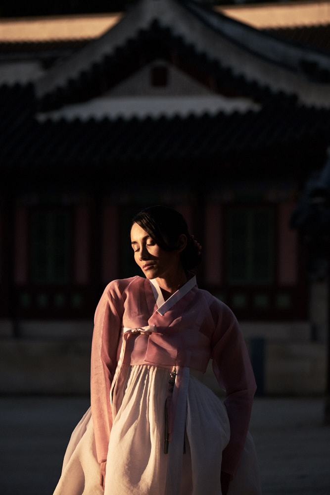 Seoul Portrait Photographer - Model Portfolio in Hanbok
