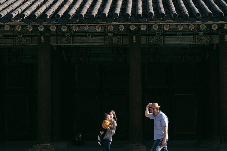 Family lifestyle portrait, Changgyeonggung, Seoul