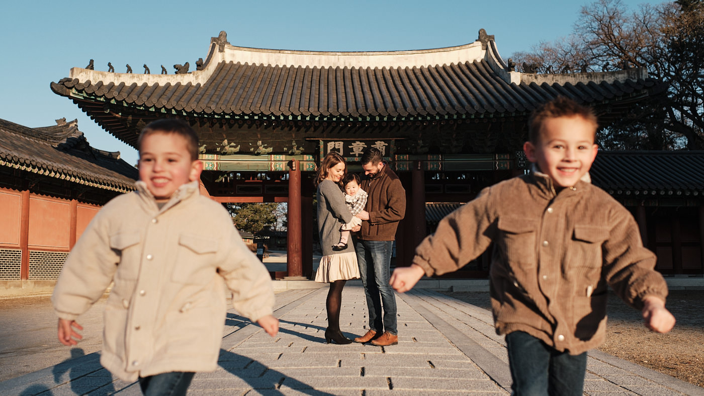 Changdeokgung Family Photographer