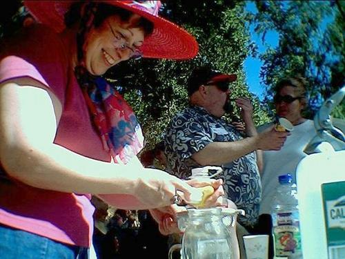 coiro makes lemonade, with mcb and scarlet in the background.