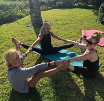 Kelly Ripa' Acroyoga Workout Moves Good