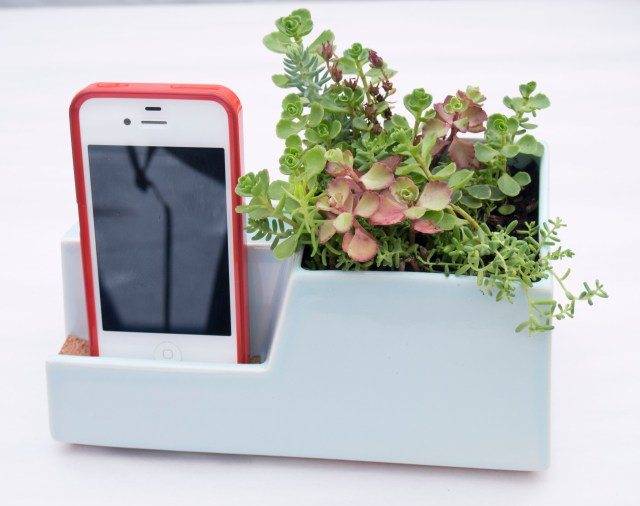 STAK Ceramics Phone Dock