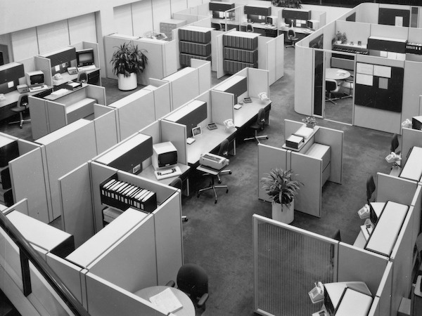 The Desk Set: The History of the Open Office