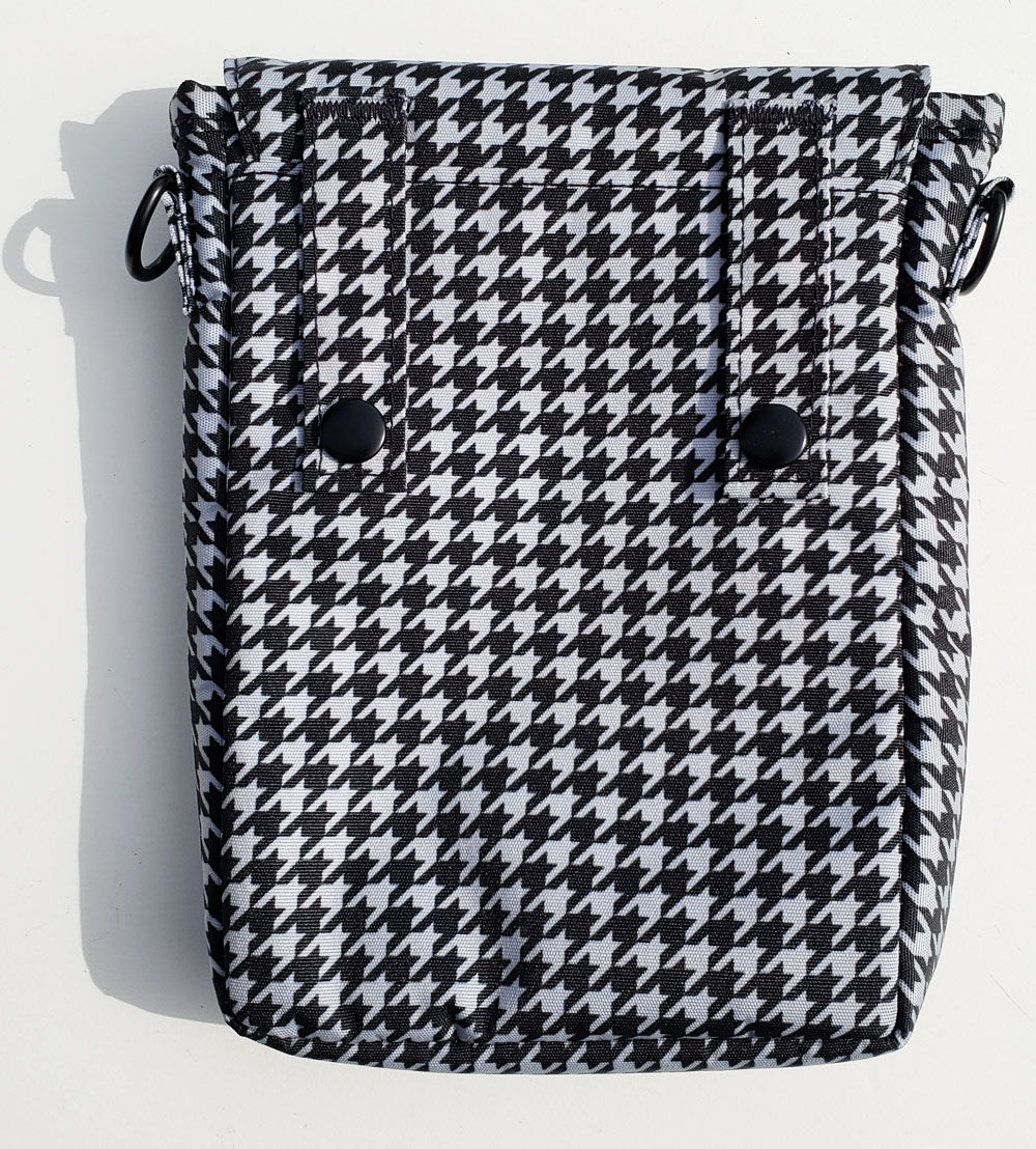 Lihit Lab pouch back view