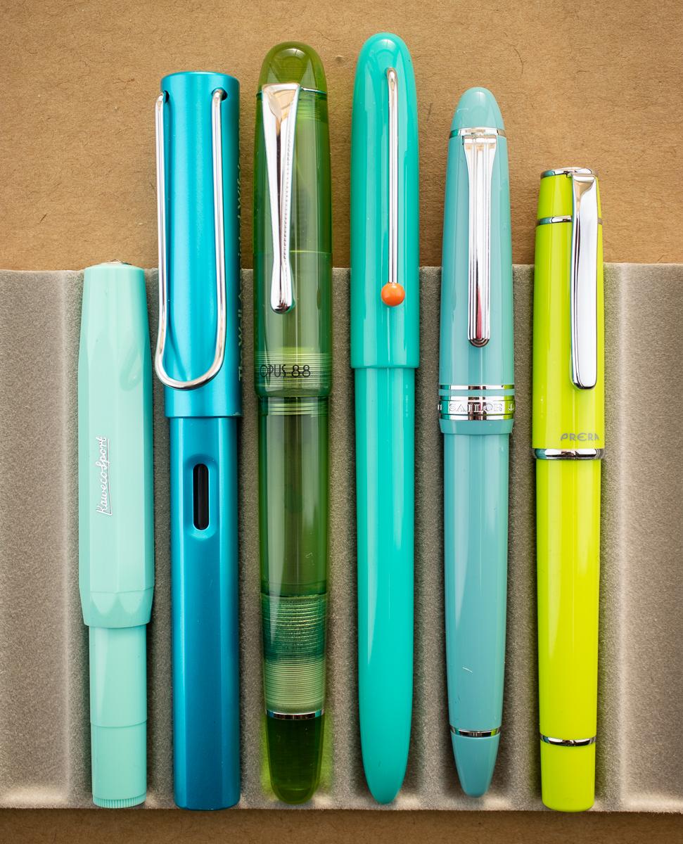 Kaco Retro Green Fountain Pen size comparison