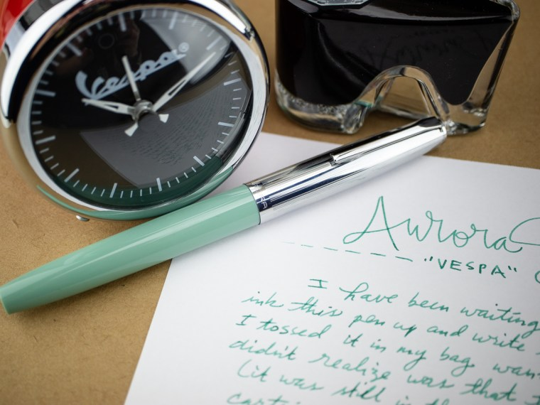 "Fountain Pen Review: Aurora Duo Cart (""Vespa"" Green)"