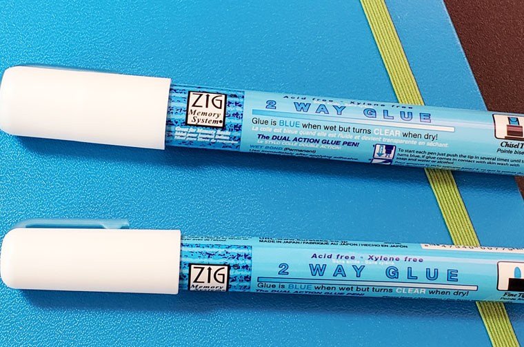 Review: Kuretake Zig 2 Way Glue Pens