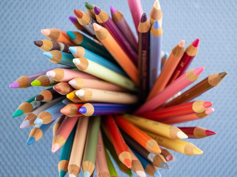 How to Pick the Right Colored Pencils