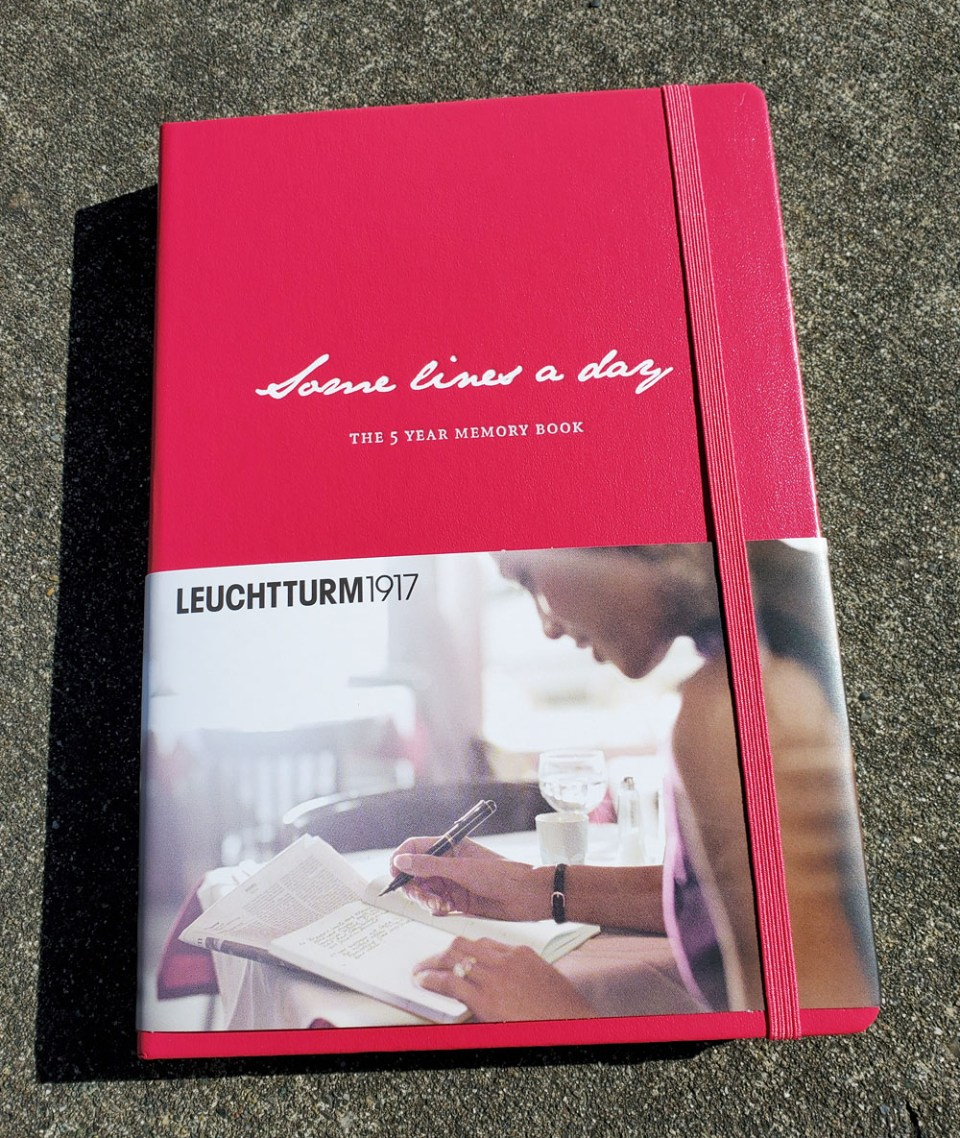 1 - Leuchtturm Some Lines cover with wrap