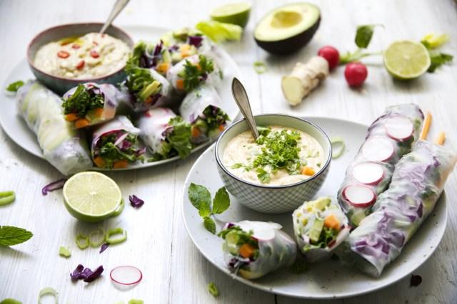 Vietnamise veggie rolls with lentil-peanut sauce and thai-hummus dip