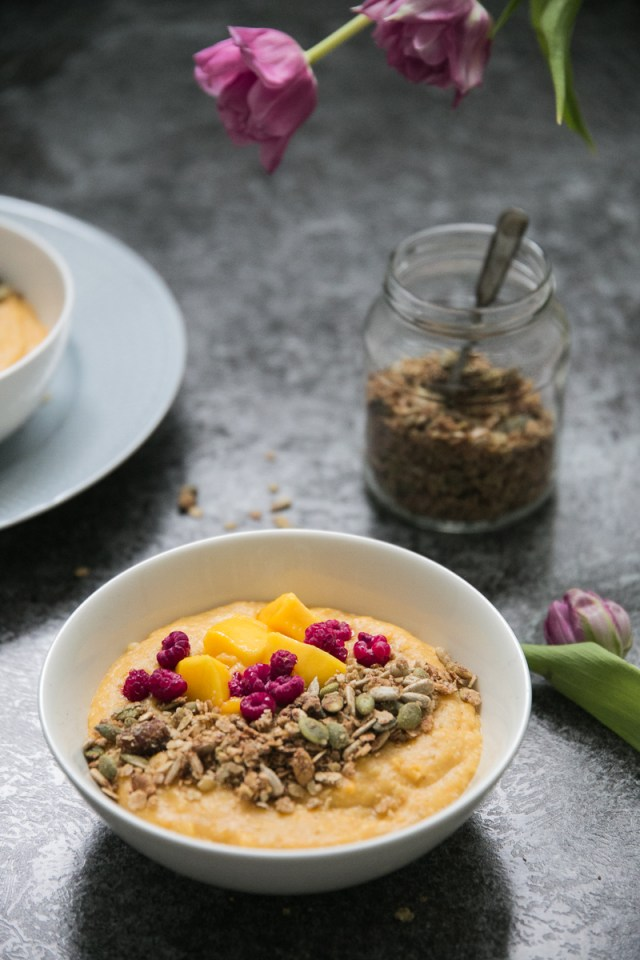 Sweet potato-mango porridge (GF, V)