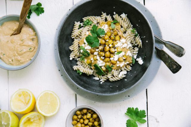 Lovely tahini-lemon pasta with roasted chickpeas