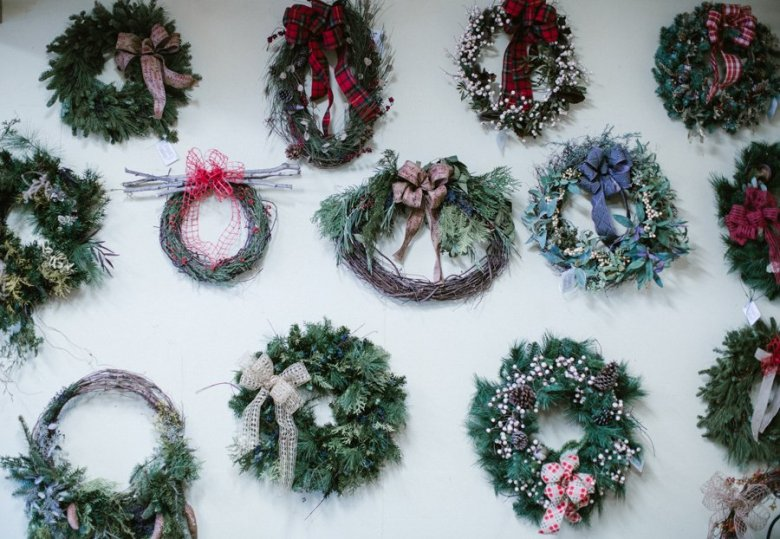 christmas wreath pittsburgh floral