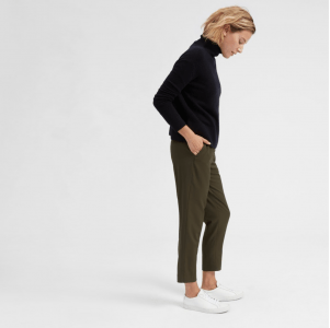 Top US fashion blogger, Wellesley & King, shares favorites by Ethical Fashion Brand Everlane: everlane goweave easy pant