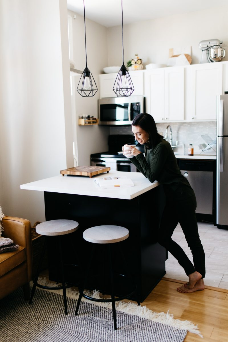 Top Pittsburgh Lifestyle Blogger, Wellesley & King, on Tips to Deal with Anxiety. Click to read!