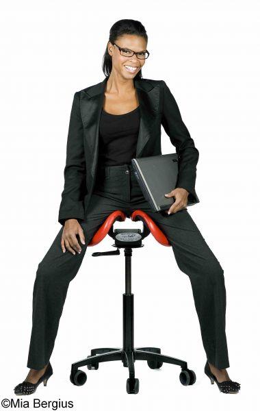 salli saddle chair 24 inch seat height chairs sattelstuhl gesunder sitzen mit dem geteilten sattelsitz 109084