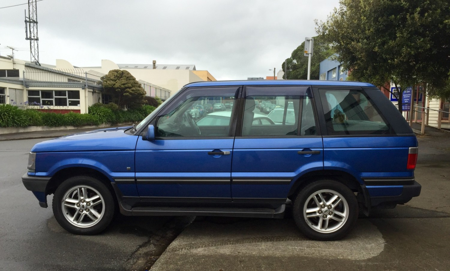 hight resolution of blue p38 range rover in for some routine repairs