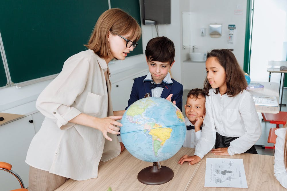 5 Exciting Map Activities To Teach Geography in Montessori Elementary Classes - Montessori elementary school - Hill Point Montessori