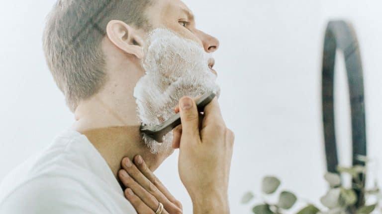 Rasierer Bad
