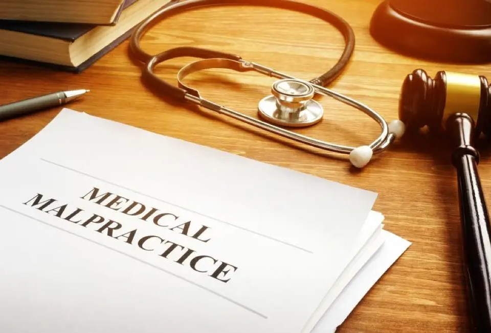 How Can I Protect My Healthcare Practice From Lawsuits? 16 Medical Malpractice