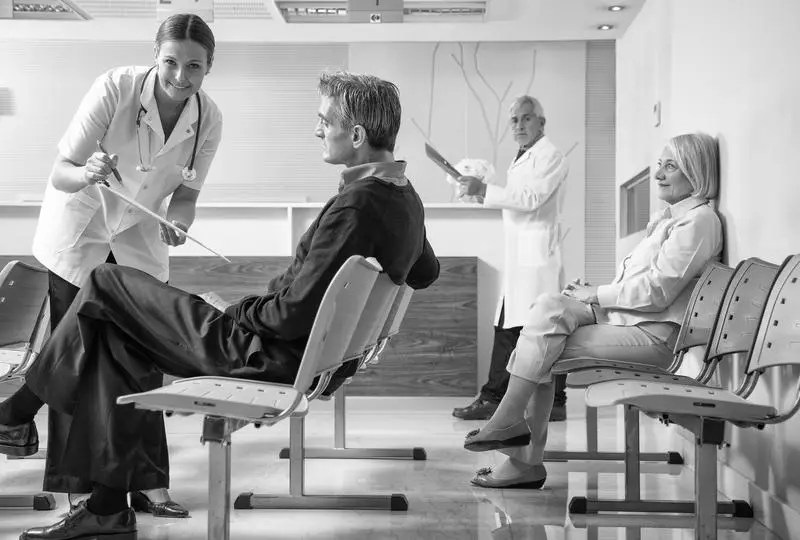 How Can a Waiting Room Accommodate Injured Patients? 4 image 0 3