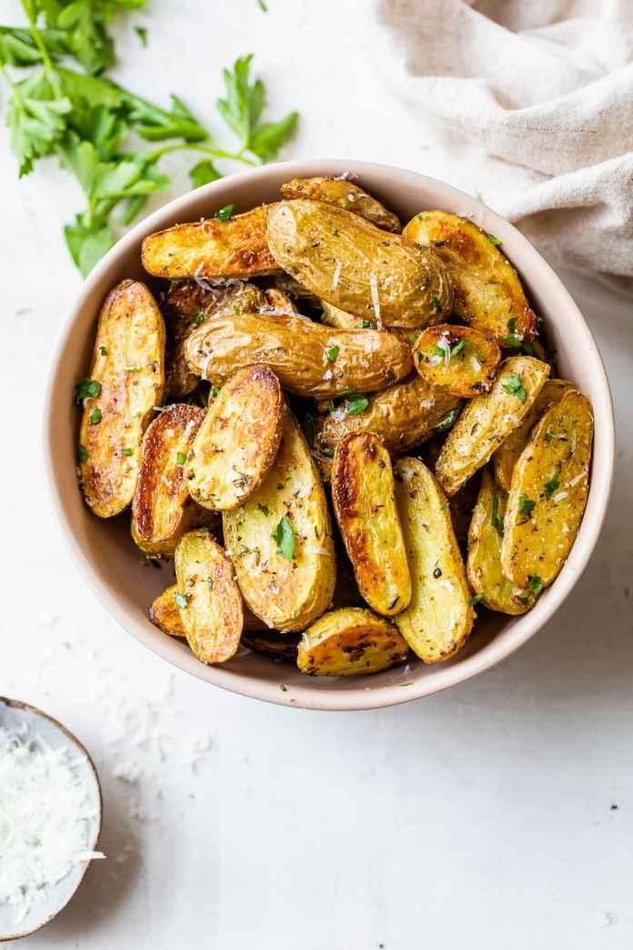Easy roasted fingerling potatoes