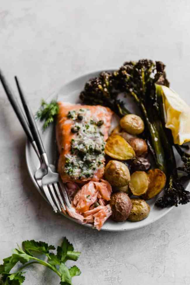 simple, 5 minute prep! slow baked salmon with herb shallot compound butter!
